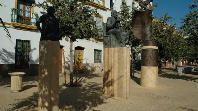 alameda-de-hercules-estatuas-4