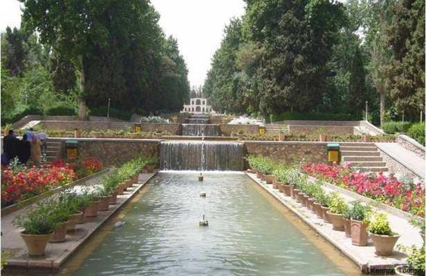 3-shahzadeh-garden