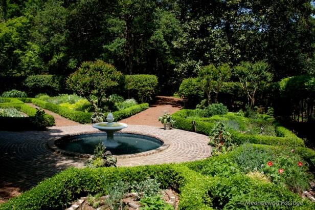 elizabethan-style-gardens-6