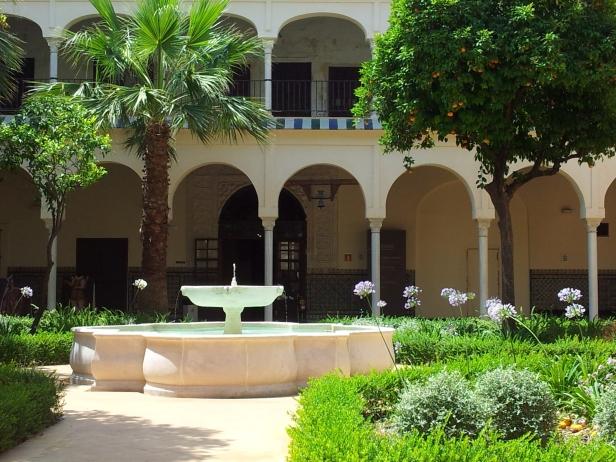 patio-claustro-renacentista-del-convento-santa-clara