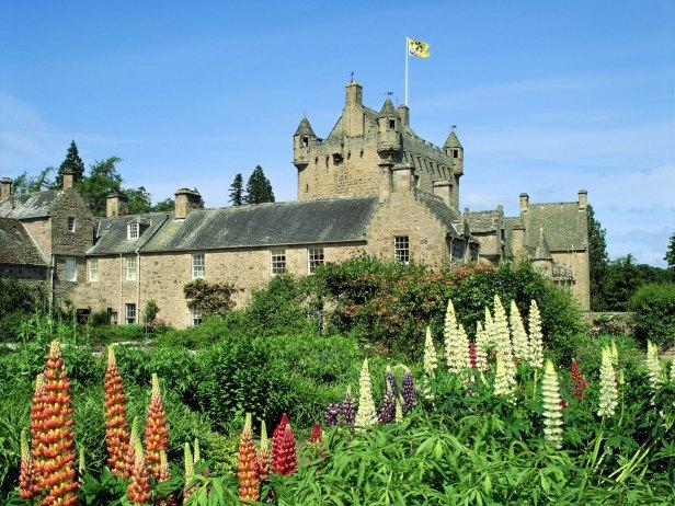 cawdor-castle-m14