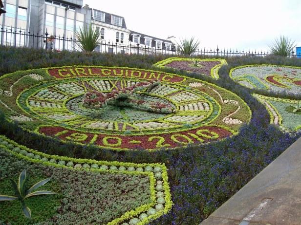 floral-clock-princes-street-gardens
