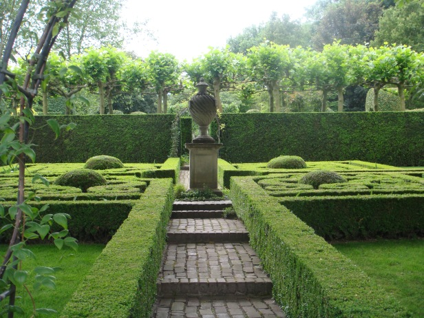 ineke-greve-jardin-formal