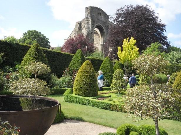 malmesbury-abbey-house-gardens-005