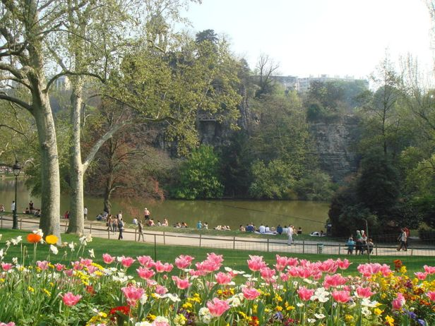 parc_buttes_chaumont_paris_france_spring_2007-2