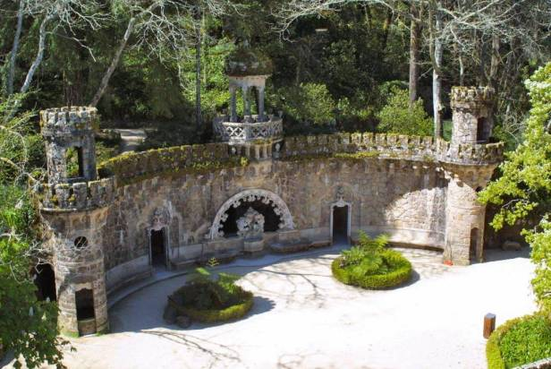 portugal-quinta-da-regaleira-sintra-portal-de-los-guardianes