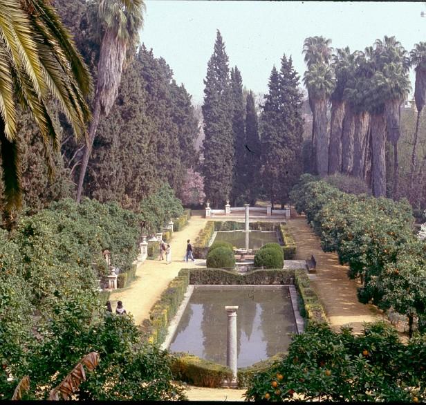 reales-alcazares-jardin-de-los-poetas-romero-murube