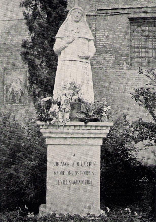 sevilla-jardines-monumento-a-sor-angela-de-la-cruz