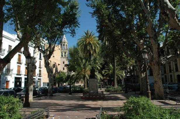 sevilla-plaza-cristo-de-burgos-nino-ricardo
