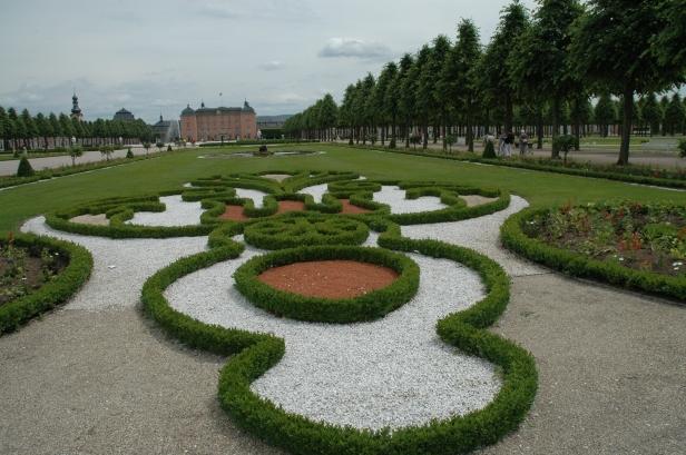 shwetzingen-palace-parterres-mixtos-q