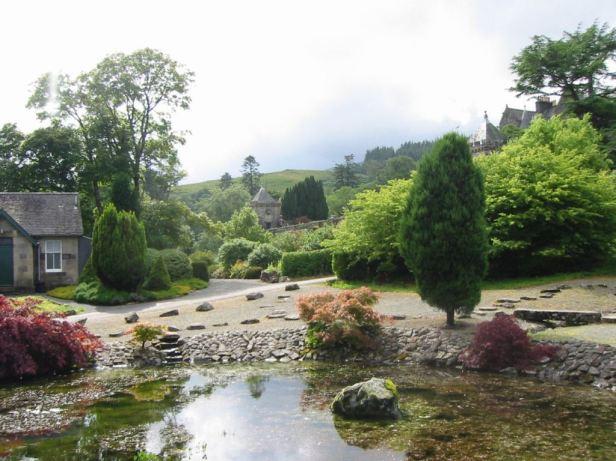 torosay-castle-garden-1