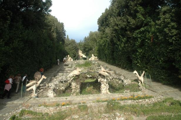 toscana-giardino-villa-garzoni-111