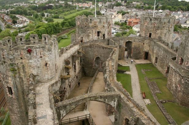 castillo-de-conwy-north-wales