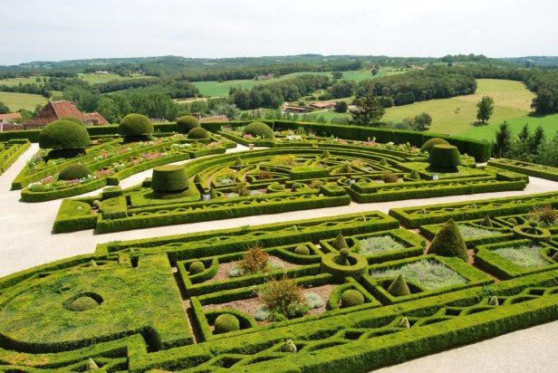 gardens-of-the-chateau-de-hautefort-k-2