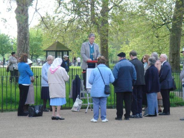 hyde-park-speakers-corner-2