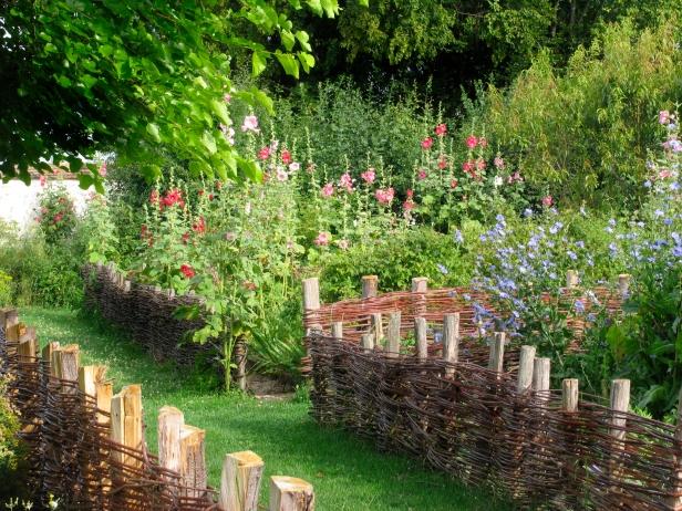 medieval-coulommiers_medieval_garden_2061_jpg_original