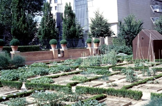 paris-parc-de-bercy-jardin-potager-2001-ab