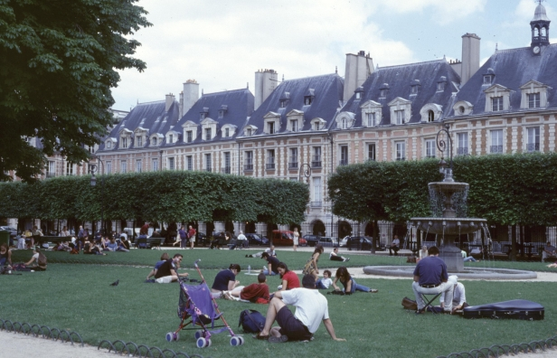 paris-place-des-vosgues-ab