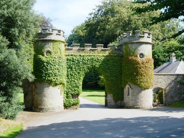 stourdhead-entrance