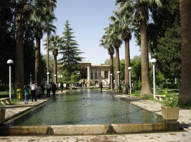 afif-abad-garden-shiraz