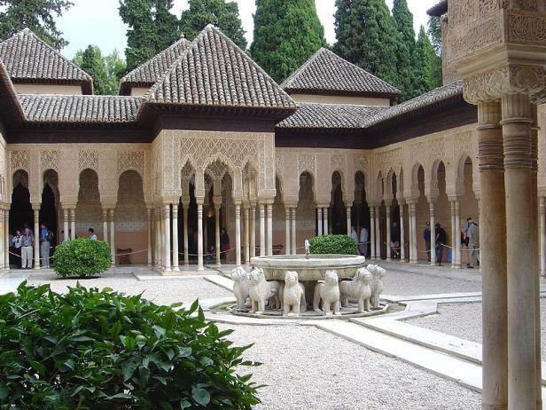 alhambra-patio-de-los-leones