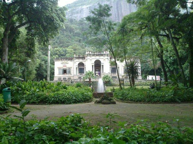 br-parque-lage-palacio_no_parque_lage_-_paisagem