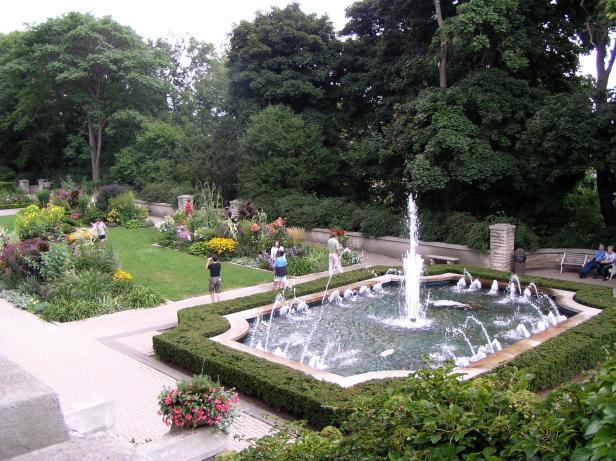 casa-loma-gardens-ontario