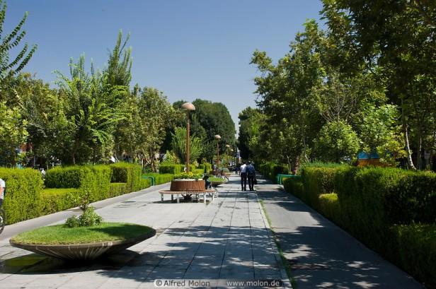chahar-bagh-avenue-gardens-aa