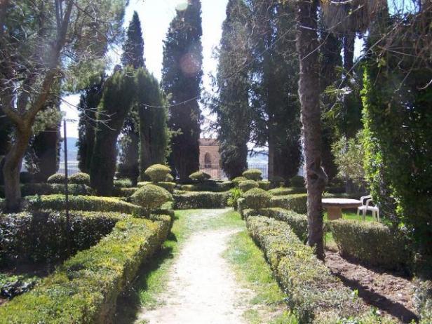 guadalajara-jardines-de-la-real-fabrica-de-panos-de_brihuega-ah
