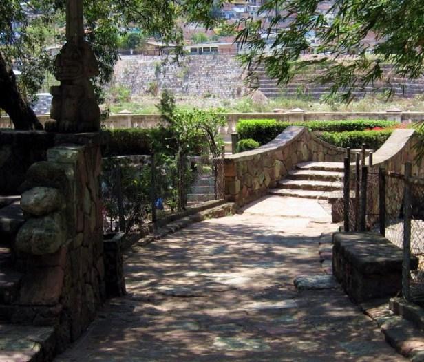ho-parque-de-la-concordia-parqueconcordiaabr13-26puentepiedra_zpsf1d3cdac