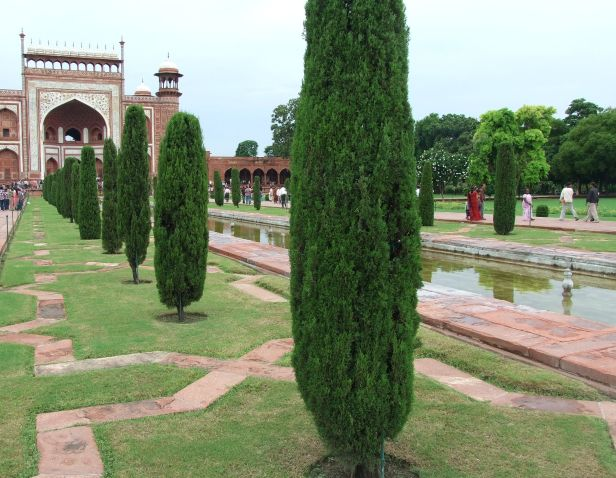 ind-taj-mahal-and-garden-ataj-mahal-gardens