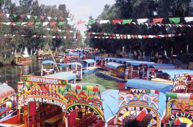 los-jardines-flotantes-xochimilco-ciudad-de-mexico-2