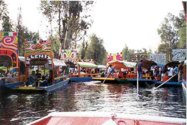 los-jardines-flotantes-xochimilco-ciudad-de-mexico-5