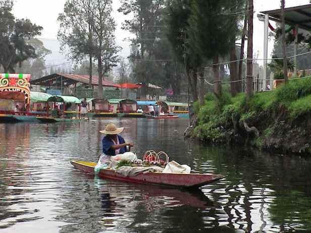 los-jardines-flotantes-xochimilco-ciudad-de-mexico-7