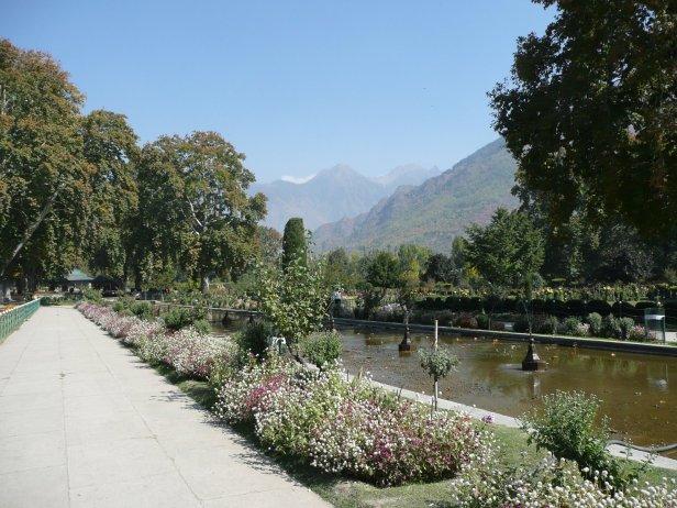 mughal-gardens-kashmir