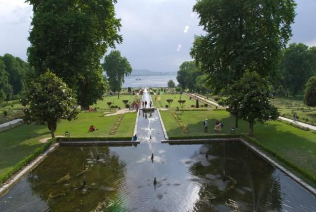 mughal-gardens-srinagar-kashmir_redimensionar-2