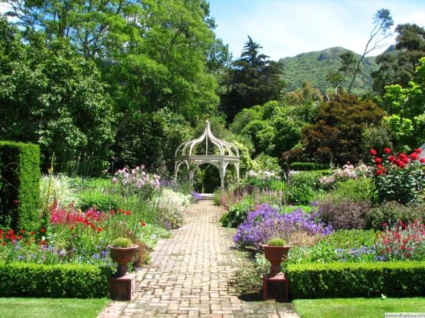 ohinetahi_gardens__dorothy_shrimpton