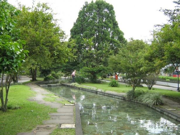parque-de-los-fundadores-armenia-fuente