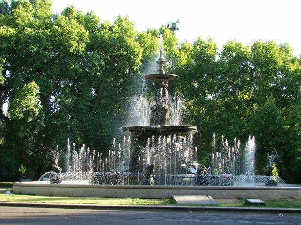 parque-general-san-martin-fuente-2