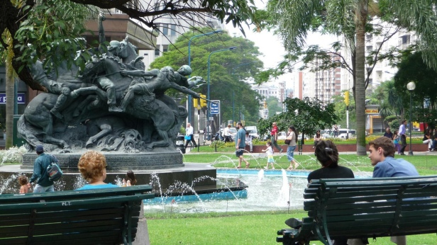 plaza-fabini-montevideo-sxxc-2