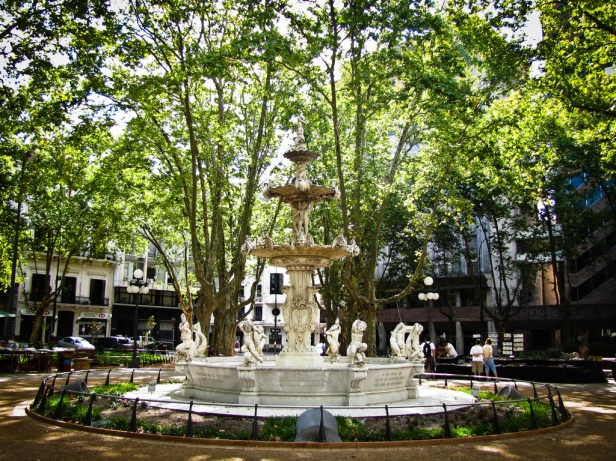 plaza-matriz-montevideo-qtu-2