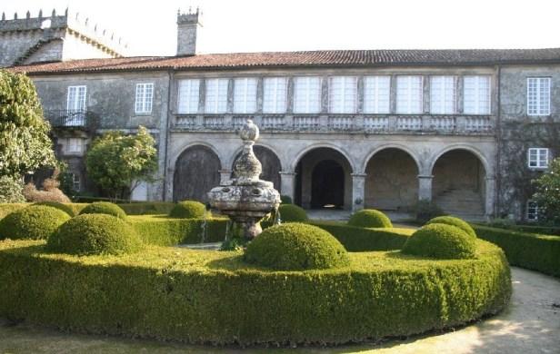 pontevedra-la-estrada-pazo-de-oca-patio-principal-y-fuente