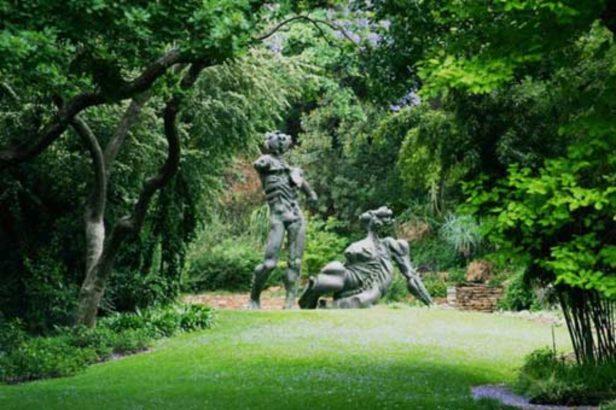 sa-jardines-de-brenthurstman_and_woman_brenthurst