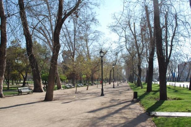 santiago-de-chile-parque-forestal-2