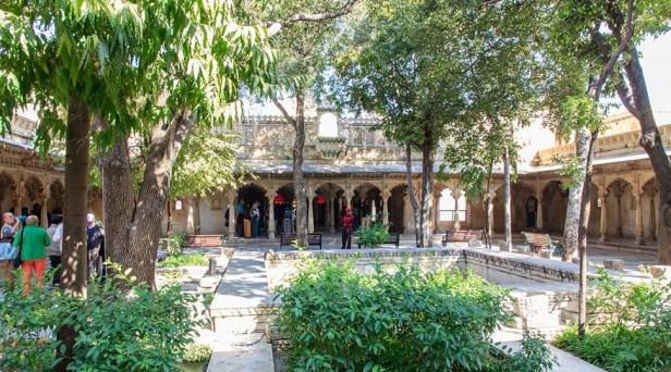 udaipur-city-palace-gardensbadi-mahal
