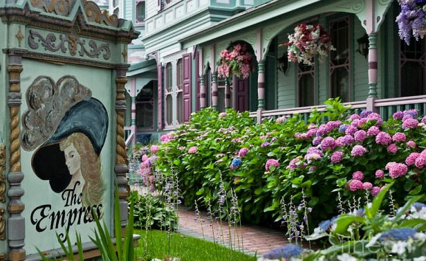 vic-victorian-house-and-gardens-john-greim