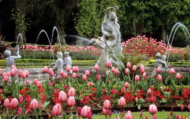 vic-waddesdon-manor-gardens-buckinghamshire-uk