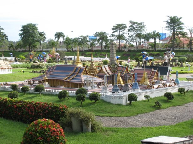 Grand Palace@Mini Siam