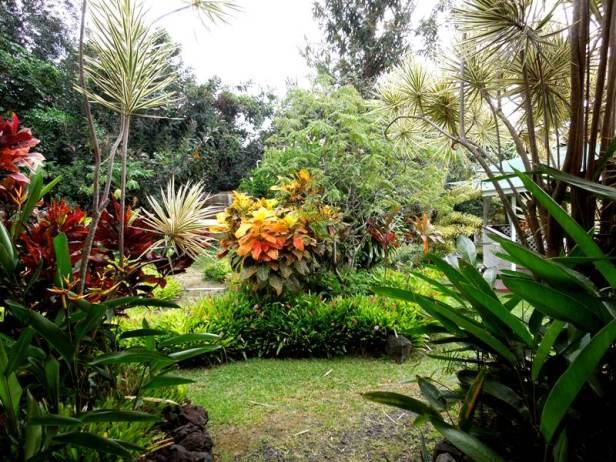 hawaii-paleaku-gardens-w-3
