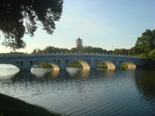 jurong-singapore-chinese-gardechinesegardensingapore-bridge-pagoda
